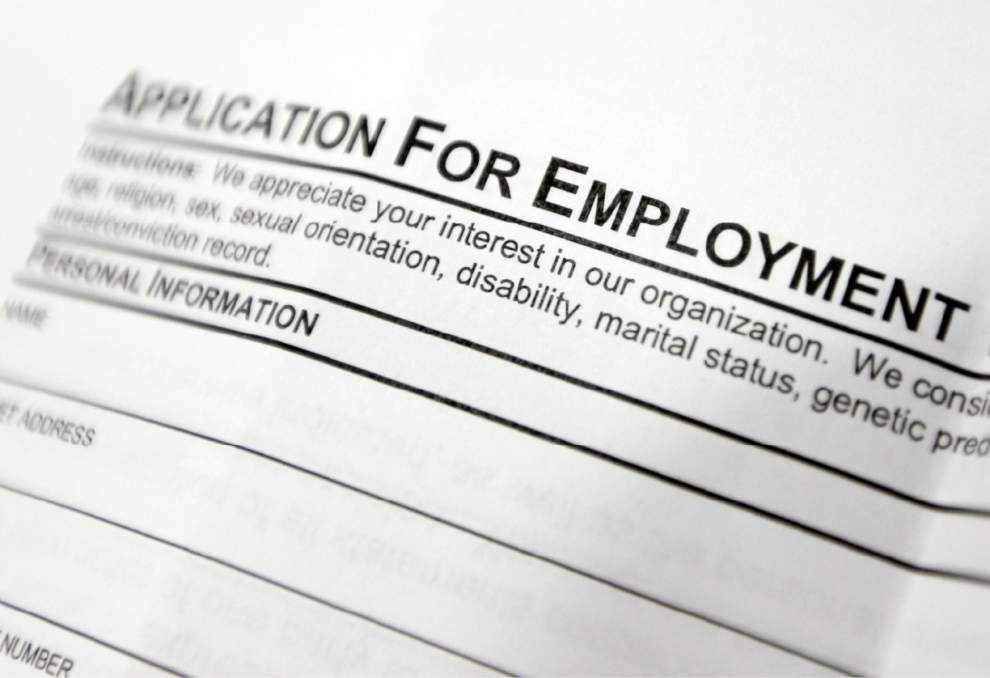 U.S. unemployment aid applications fall to 304,000 _lowres