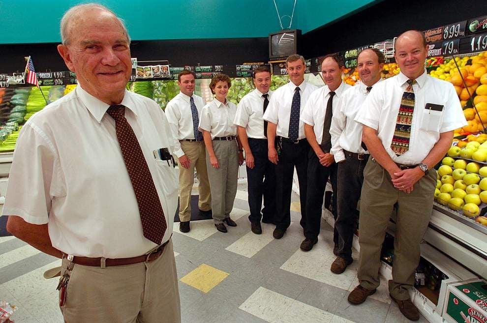 Hi Nabor grocery founder Sam Crifasi dies at 88 _lowres