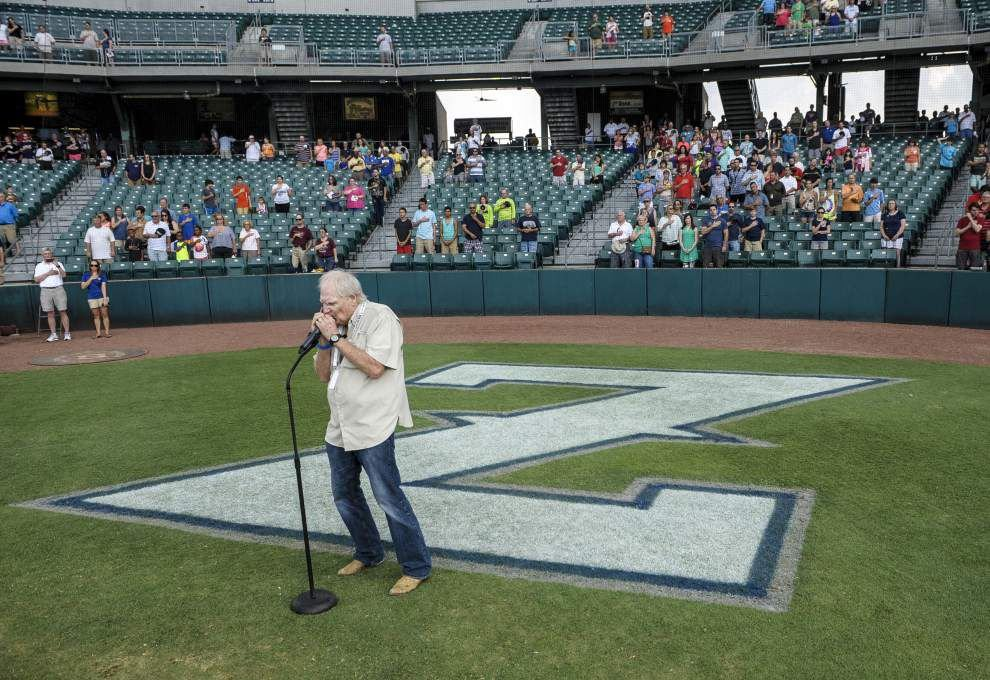 Zephyrs take national anthem seriously _lowres