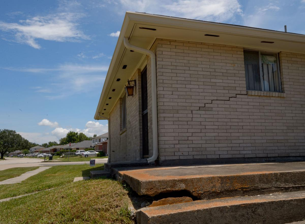 New Orleans East Residents Plagued By Sinking Soil Want Tough Look