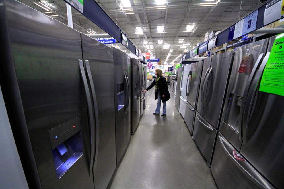 Orders for U.S. manufactured goods up 2.2 percent _lowres