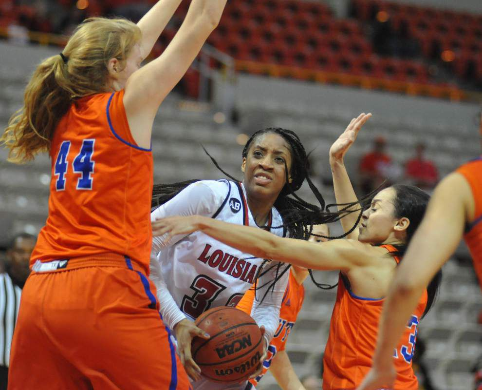 Taylor Washington comes off the bench to help boost Cajuns women over UTA _lowres