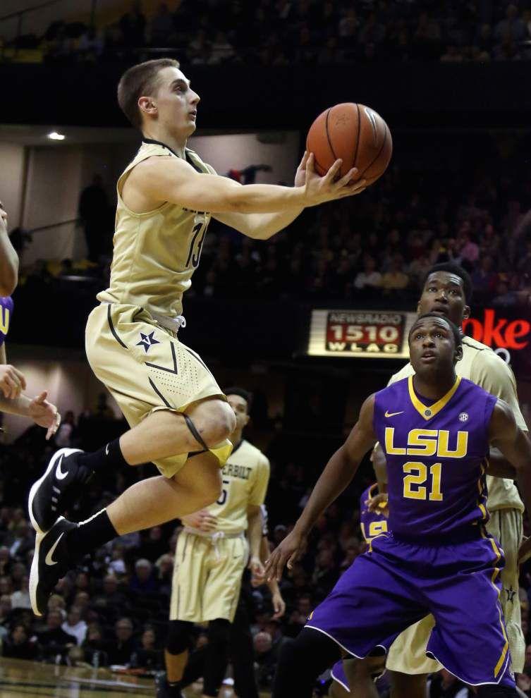 Ben Simmons' huge night — 36 points, 14 rebounds — lifts LSU to a 90-82 win over Vanderbilt to open SEC play _lowres