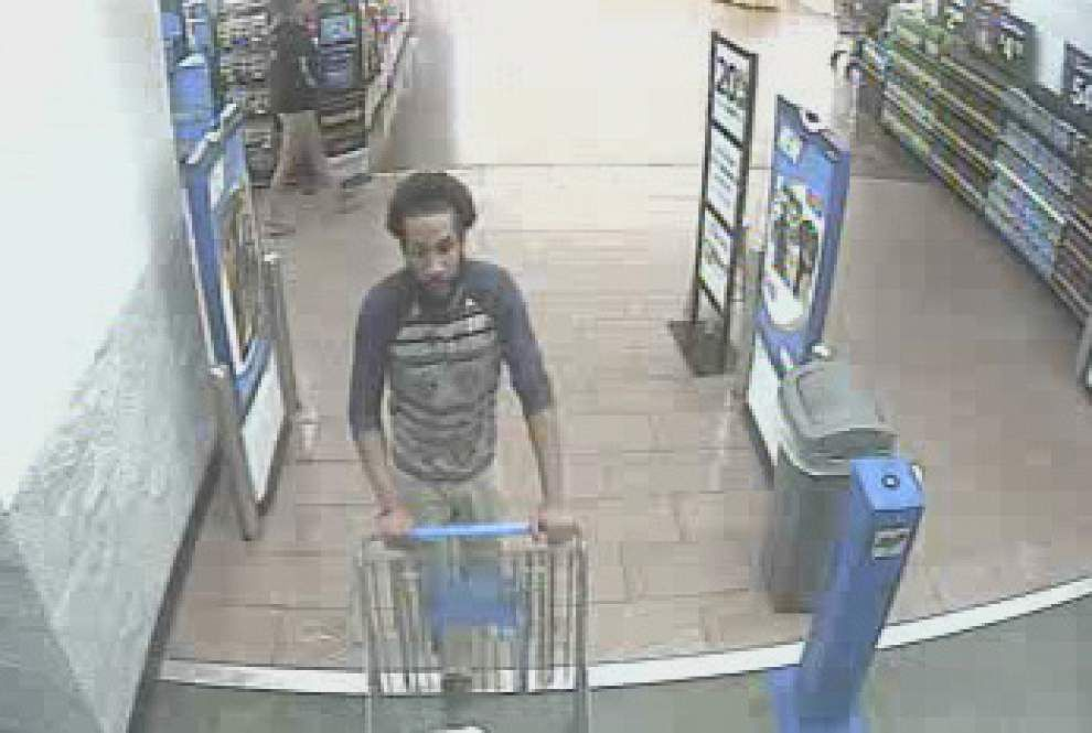 East Baton Rouge sheriff's office looking for man who stole money from Wal-Mart _lowres