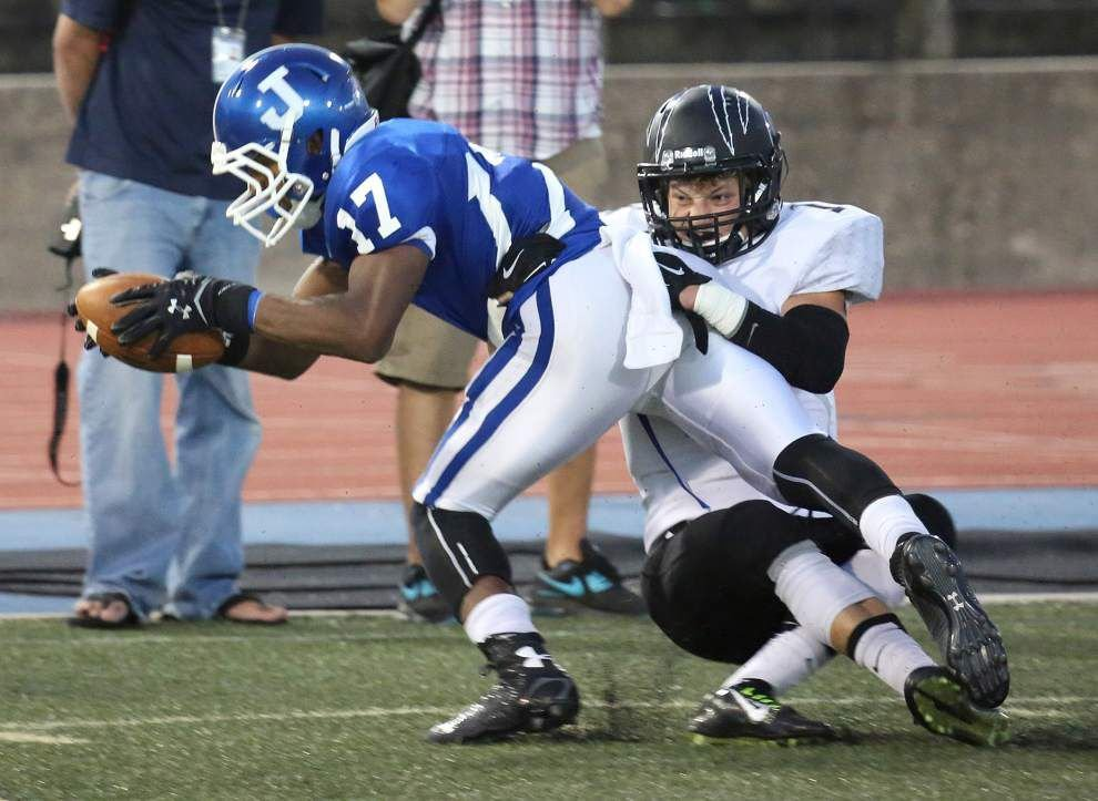 Jesuit passing combination sparks victory over Central _lowres