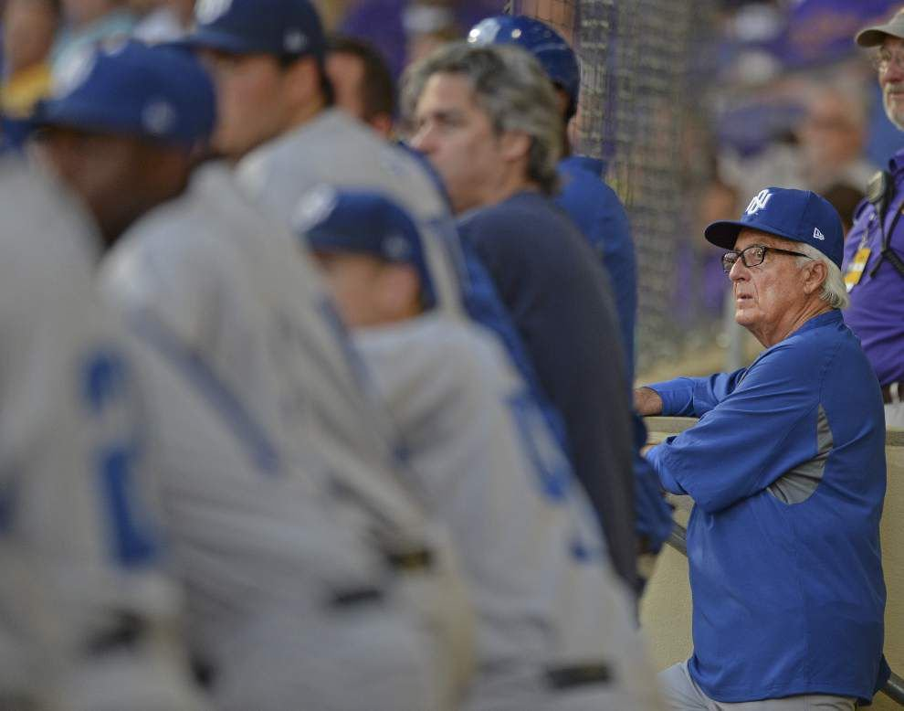'They deserve all the accolades:' Former coach Ron Maestri excited by UNO baseball team's resurgence _lowres