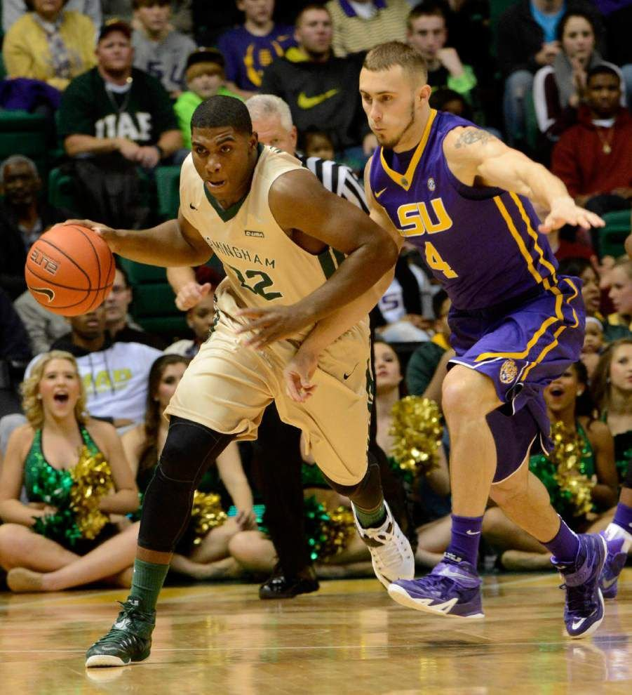 On a roll: LSU surges past UAB with strong second half _lowres