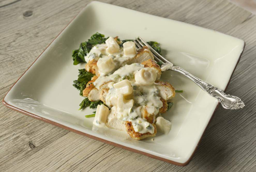 Gourmet Galley: Add greens to chicken: Chicken and Hearts of Palm (Or Artichokes) Over Spinach _lowres