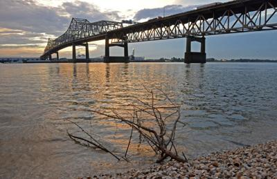 MississippiRiverBridge.adv HS 264.JPG