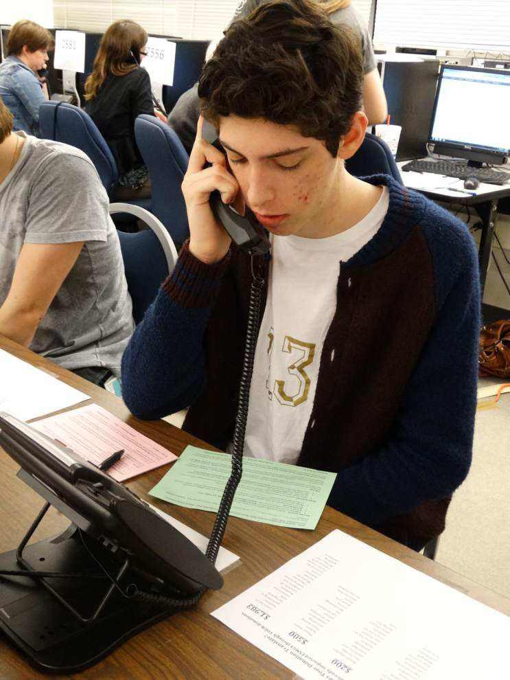 LSMSA volunteers dial for annual fundraiser _lowres