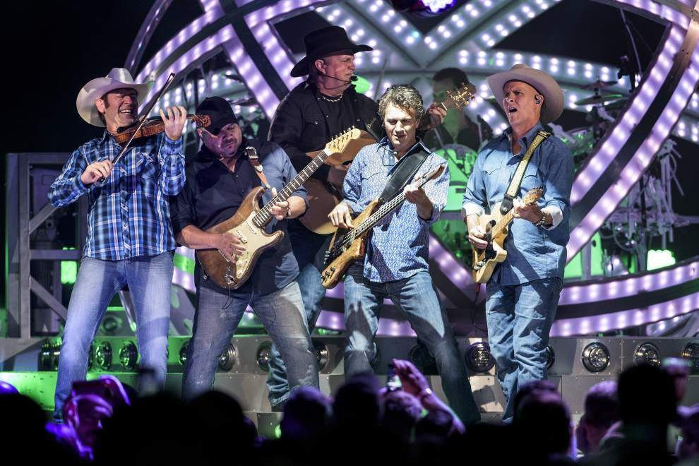 Garth Brooks makes belated but triumphant New Orleans debut: 'You have no idea how long I've been waiting for you guys' _lowres