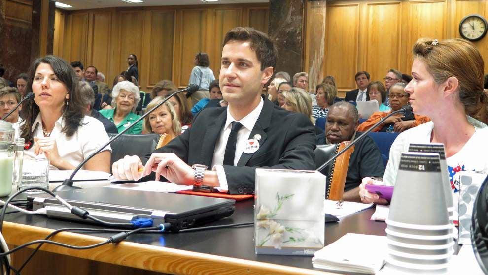 Senate committee rejects raw milk bill _lowres
