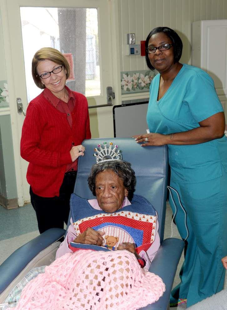 Northridge resident marks 100th birthday _lowres