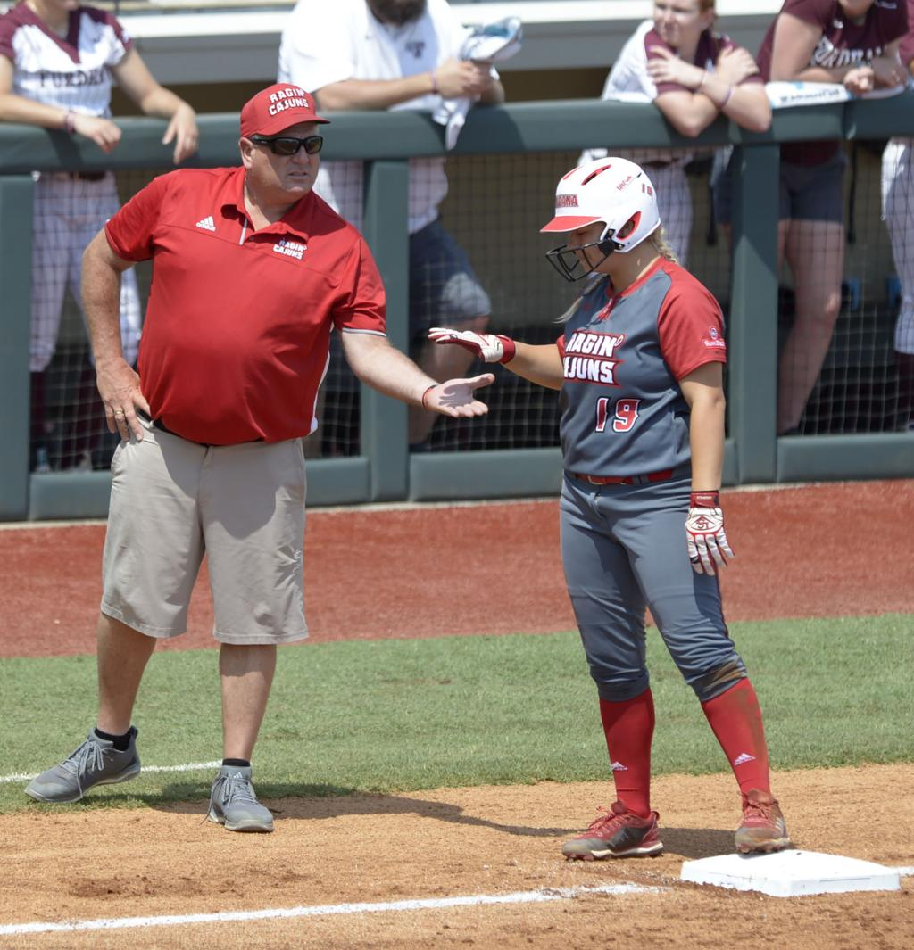After tragedy, UL-Lafayette softball wins 1st game of season