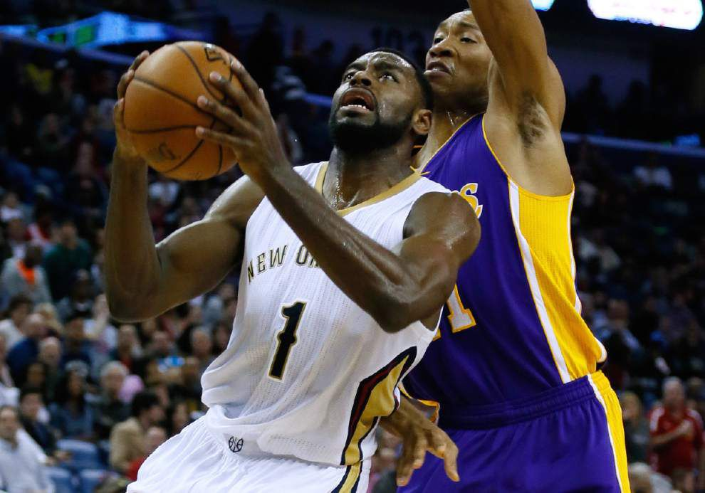 Video: Pelicans guard Tyreke Evans talks about how the Lakers focused on forcing him to pass the ball in the team' 96-80 win _lowres