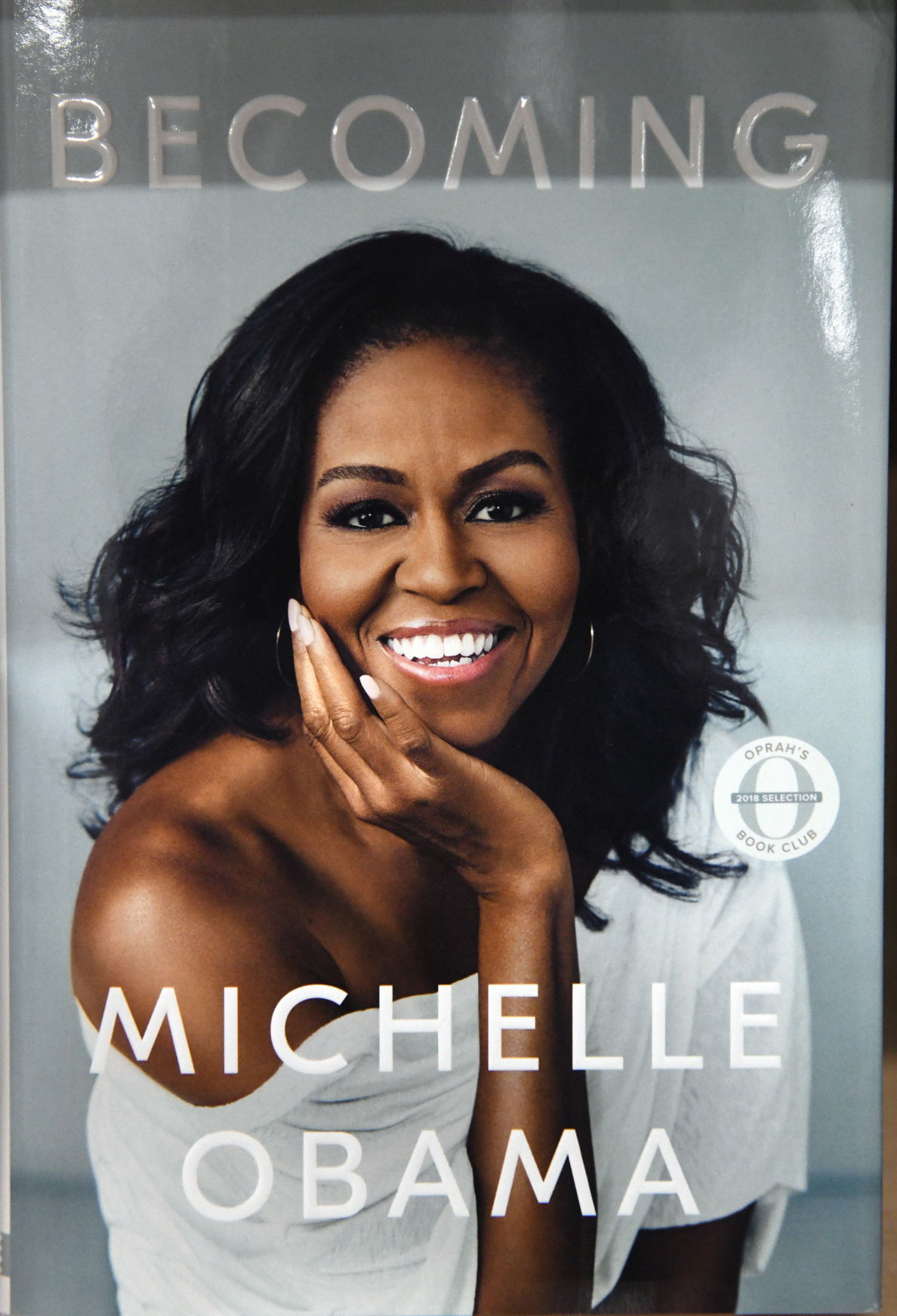 Michelle Obama's new book, Becoming, hits bookstores - DC