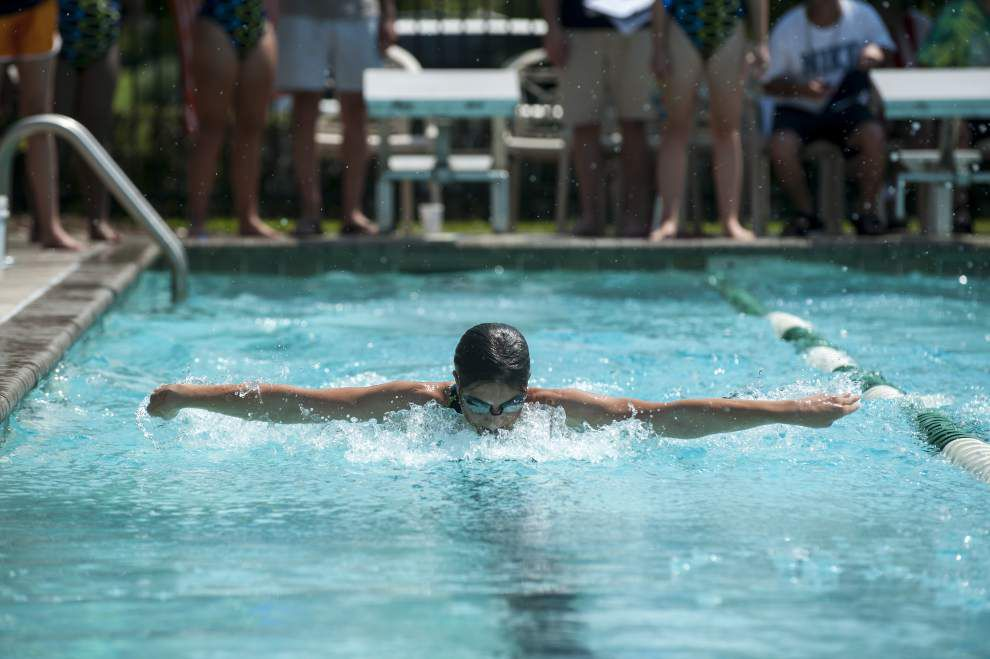 Waves hit pool in competition for Pelican Point meet _lowres