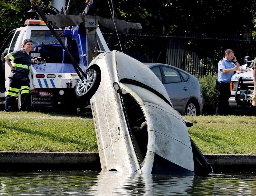 Car pulled from Bayou St. John belonged to man who suffered medical emergency in August _lowres