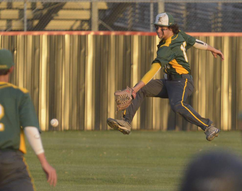 Behind strong pitching from Austin Reich and big offense, Brusly ousts Livonia _lowres
