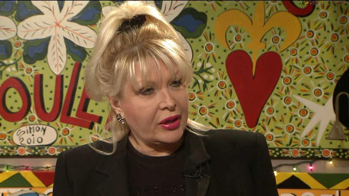 Gennifer Flowers now has an advice column_lowres