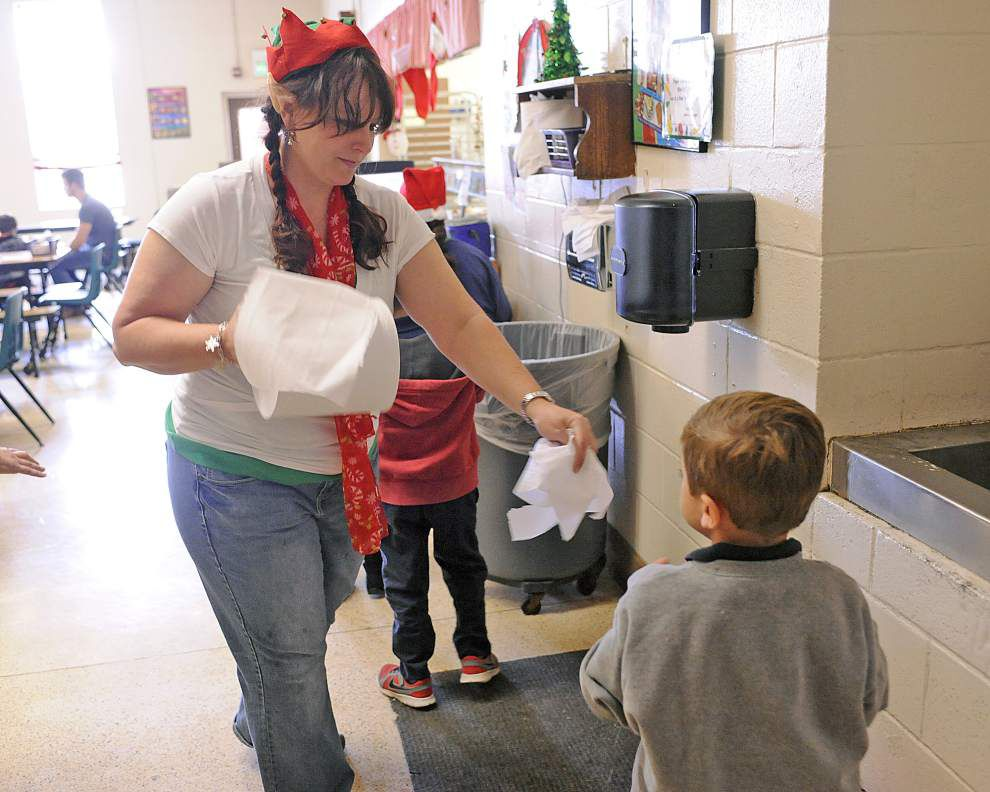 Lafayette church volunteers pitching in to help out at public schools _lowres