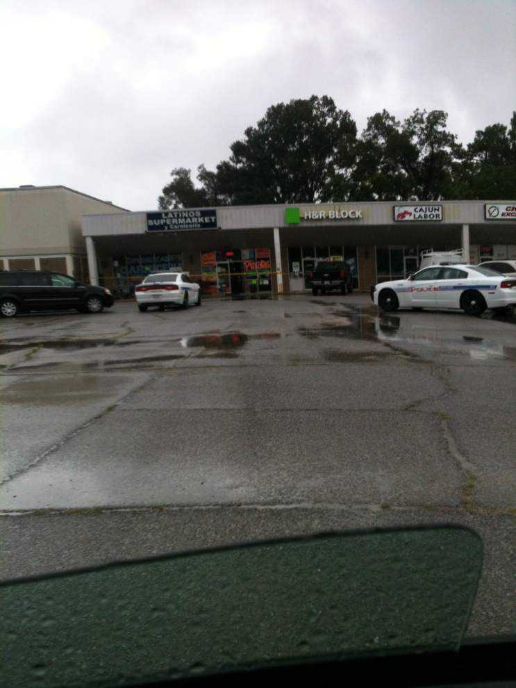 Two armed robbers hit Latinos Supermarket y Carniceria on Florida Boulevard on Friday _lowres
