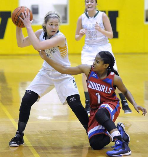 Sumner girls edge Walker _lowres