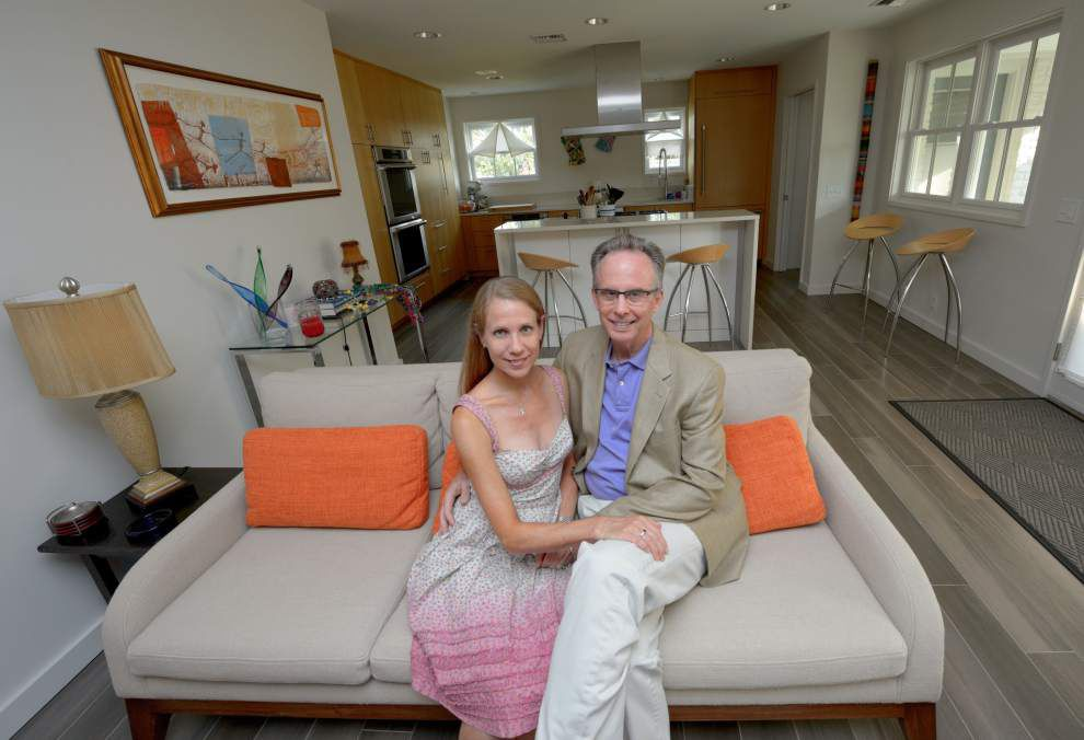 A suburban tract home is updated to suit musical pair _lowres