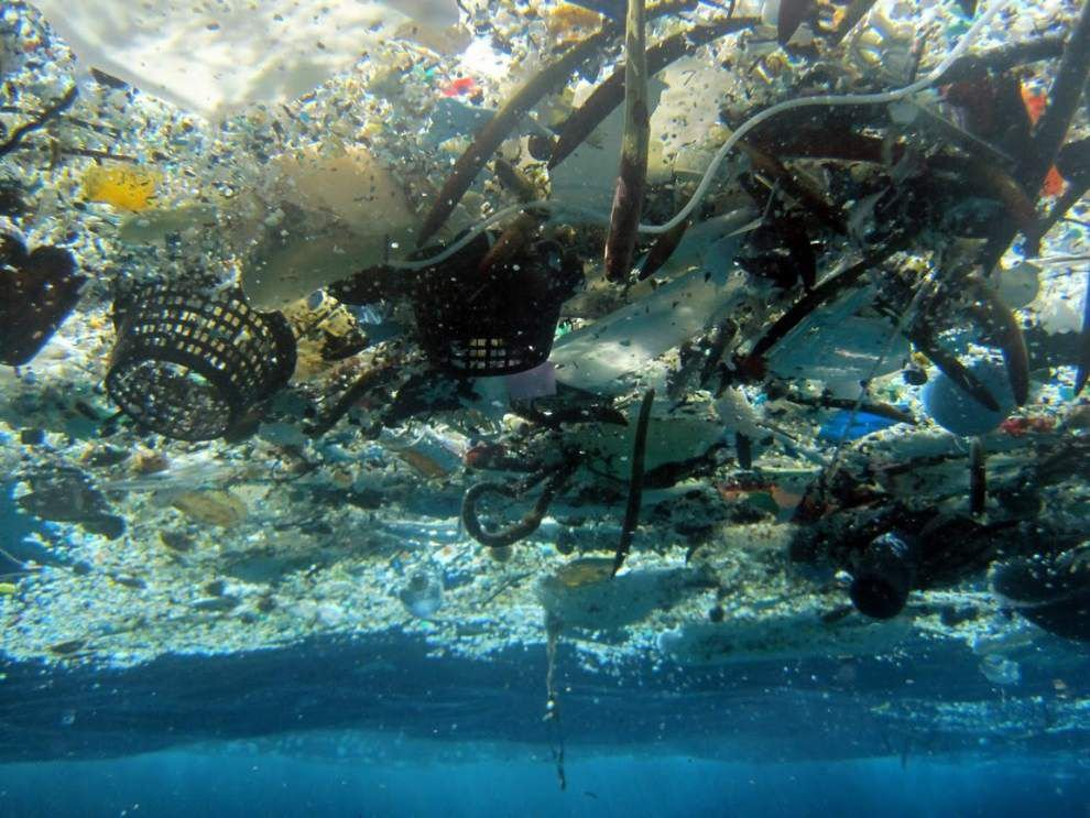 Study: 270,000 tons of plastic floating in oceans _lowres