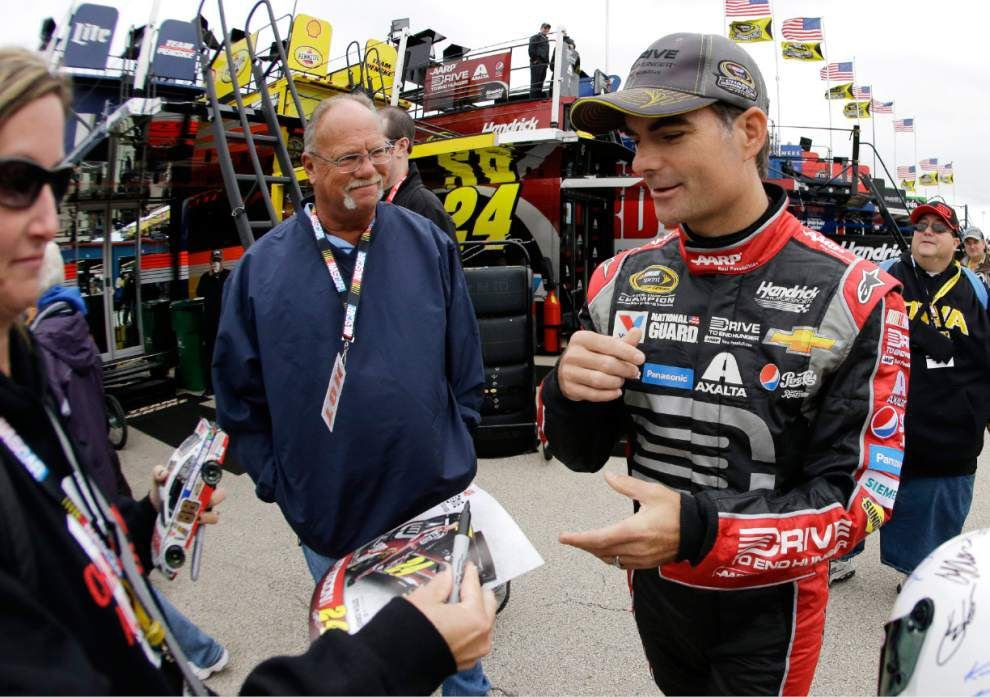 Jeff Gordon covets elusive fifth title as Chase begins _lowres