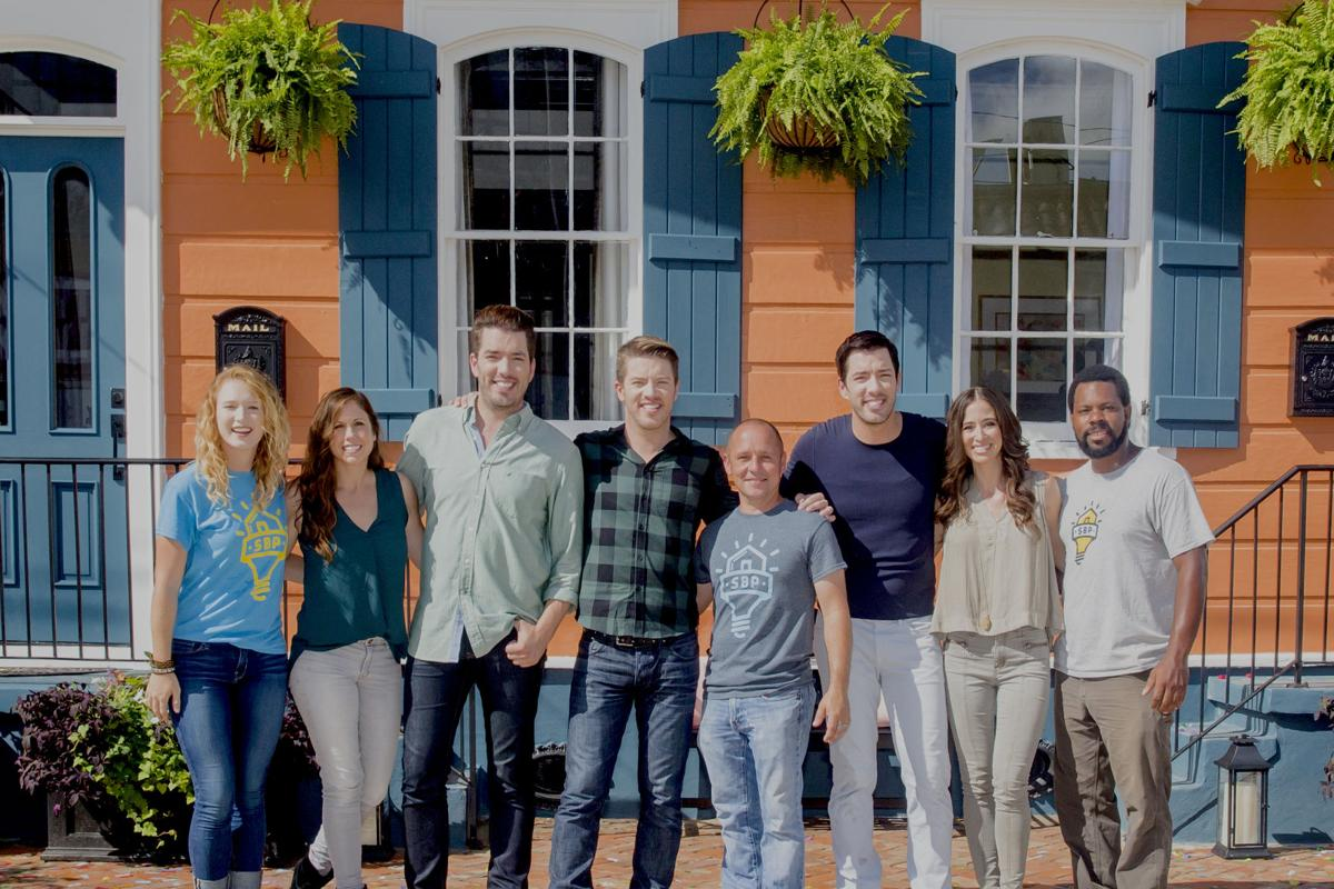 Team Scott 2 Area Designers Help Property Brothers Redo Homes In