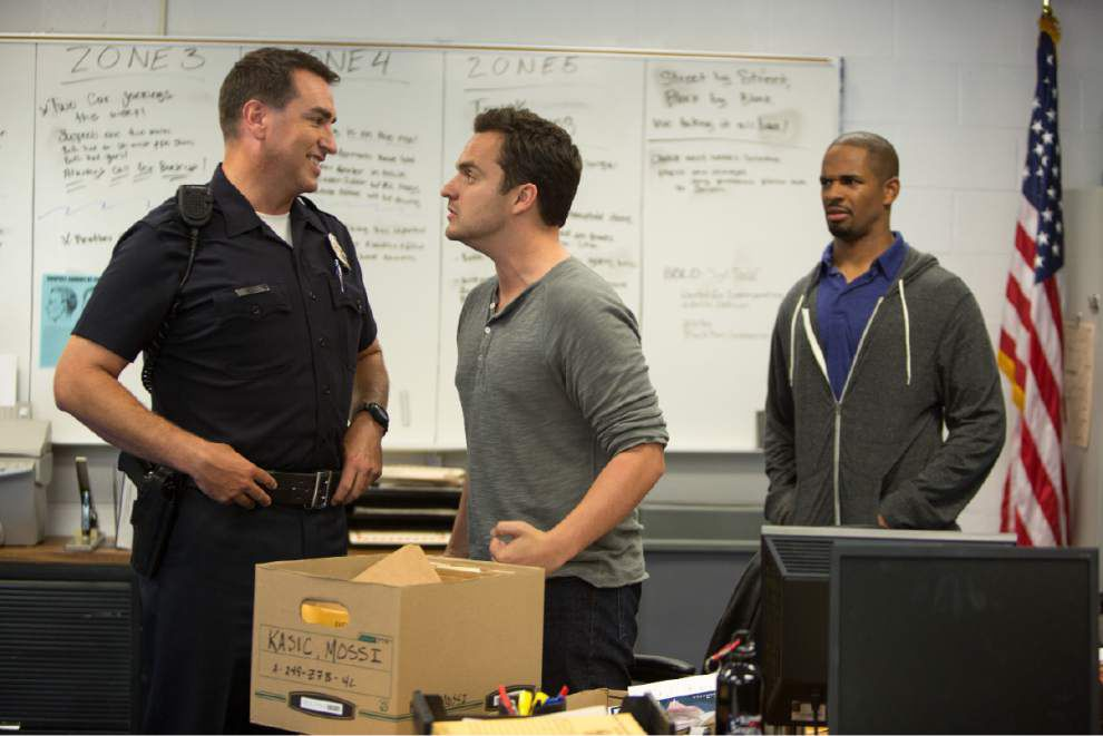 Review: 'Let's Be Cops' falls flat on humor _lowres