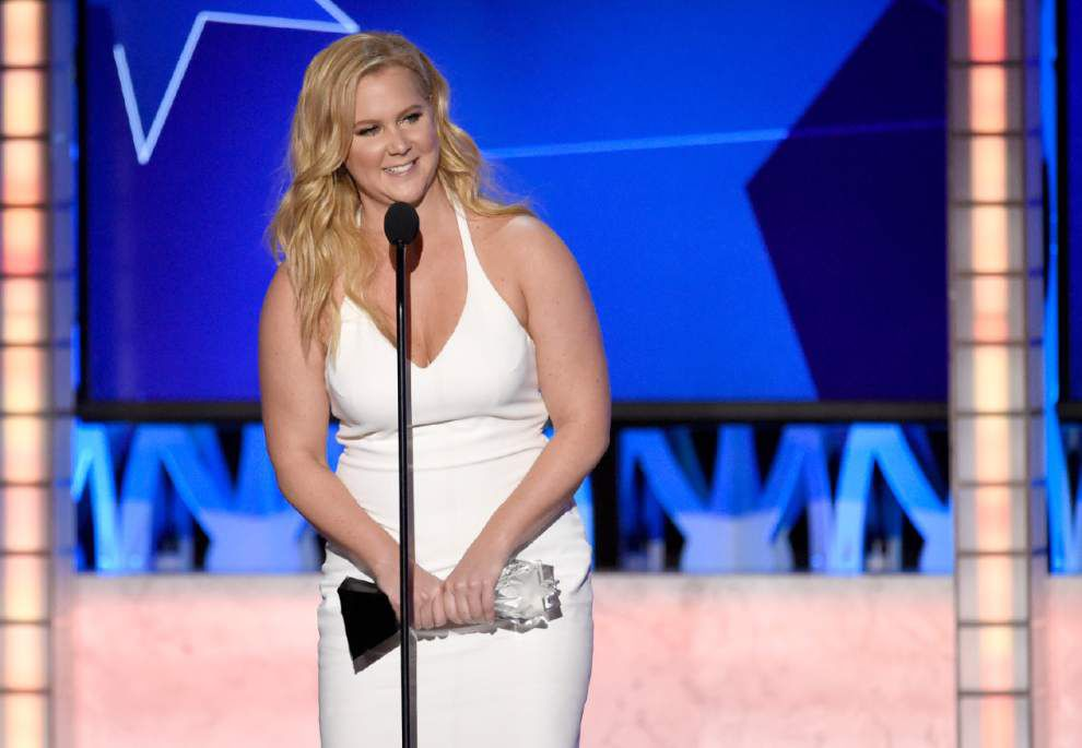 'Trainwreck' actress Amy Schumer thanks Lafayette shooting victims during Critics' Choice Awards acceptance speech _lowres