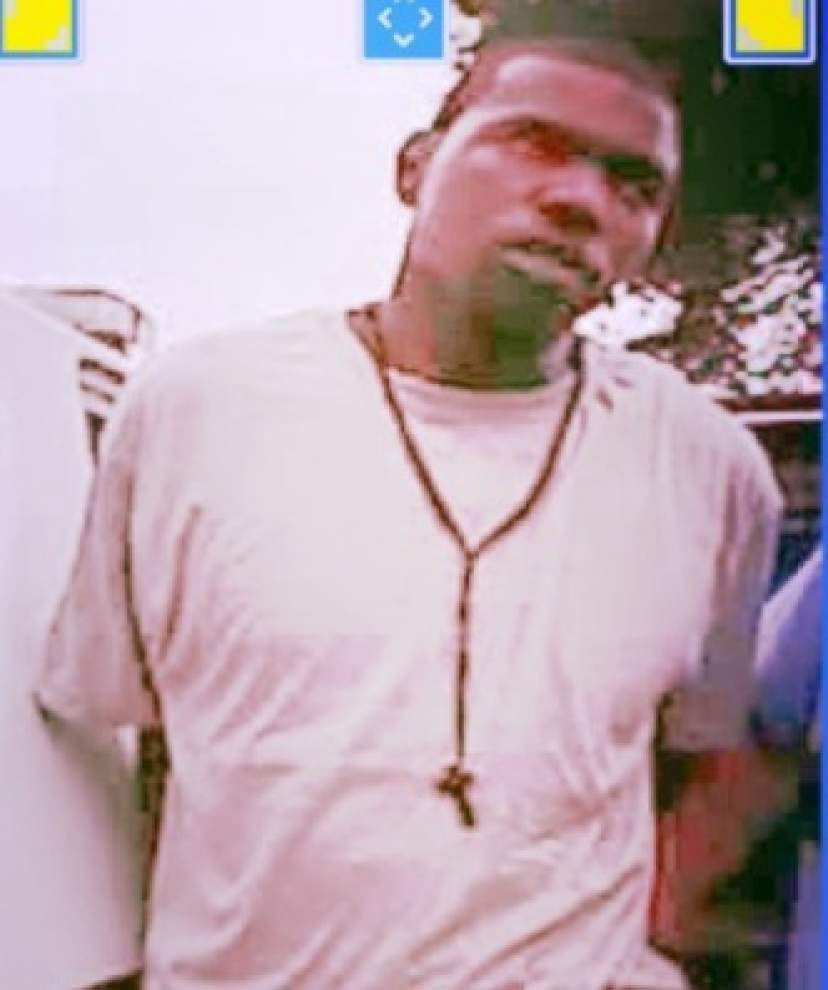 Man who escaped from New Orleans Police Department custody early Sunday morning identified, but still at large _lowres