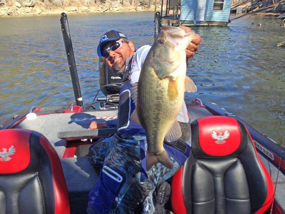 Greg Hackney fights for solid Bassmaster Classic spot _lowres