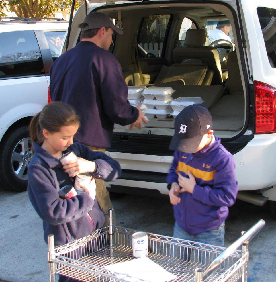St. Francisville church delivers holiday meals _lowres