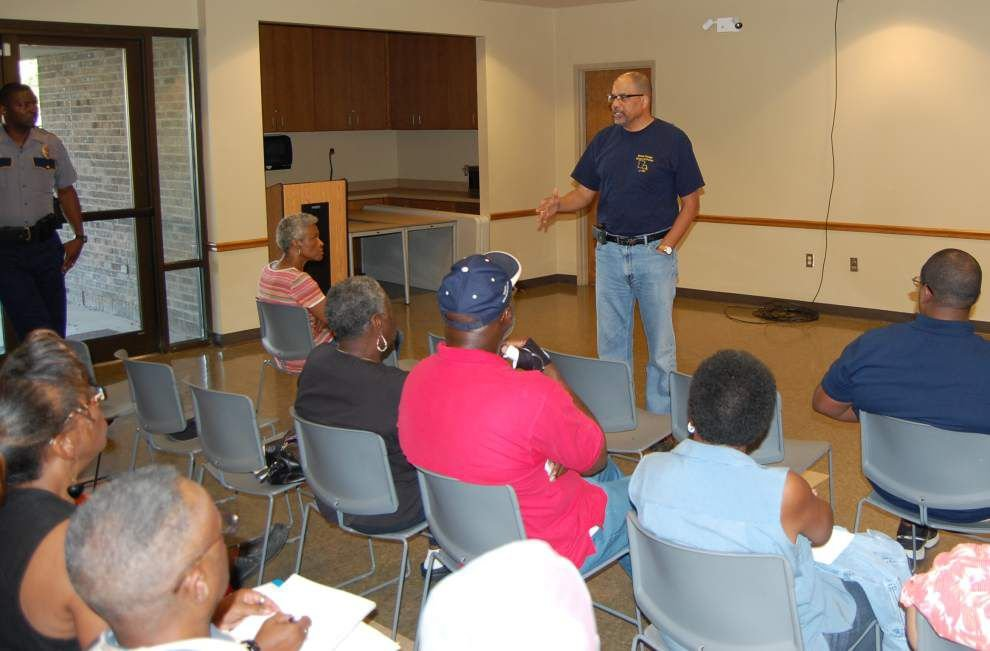 'Cops and Clergy' training sessions help build bonds between police, clergy _lowres