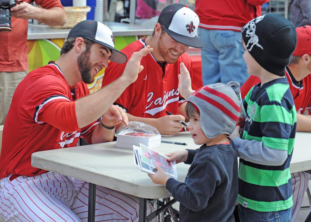 Cajuns supporters take the spotlight at baseball's Fan Day _lowres