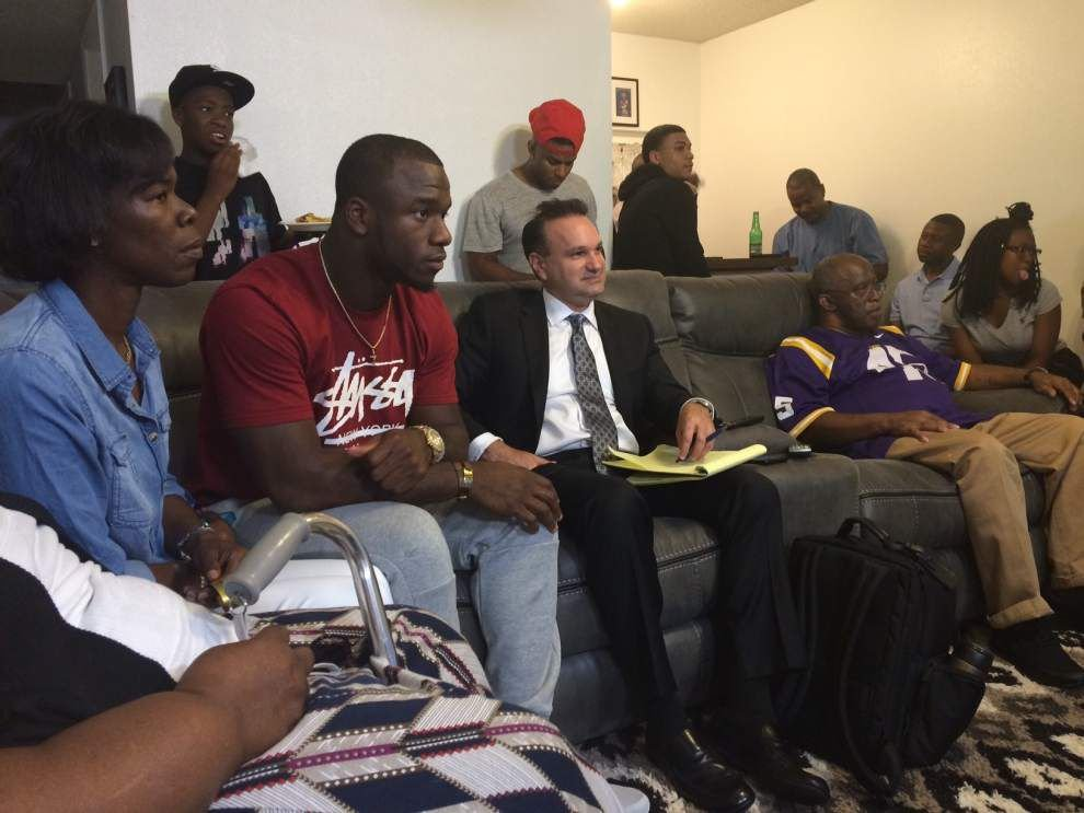 'We're Debo Birds': LSU's Deion Jones goes to Falcons in 2nd round _lowres