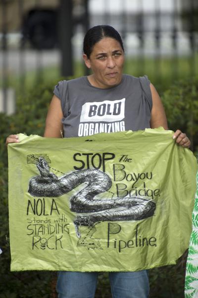 BR.bayoubridgeprotest156.092217.jpg