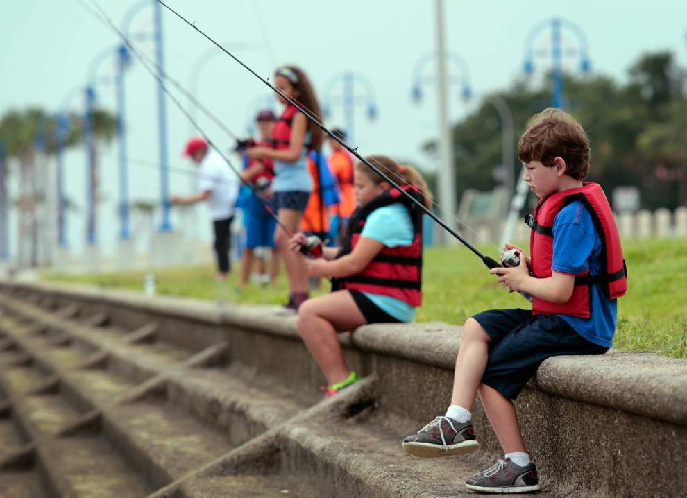 Youth get hooked on fishing _lowres