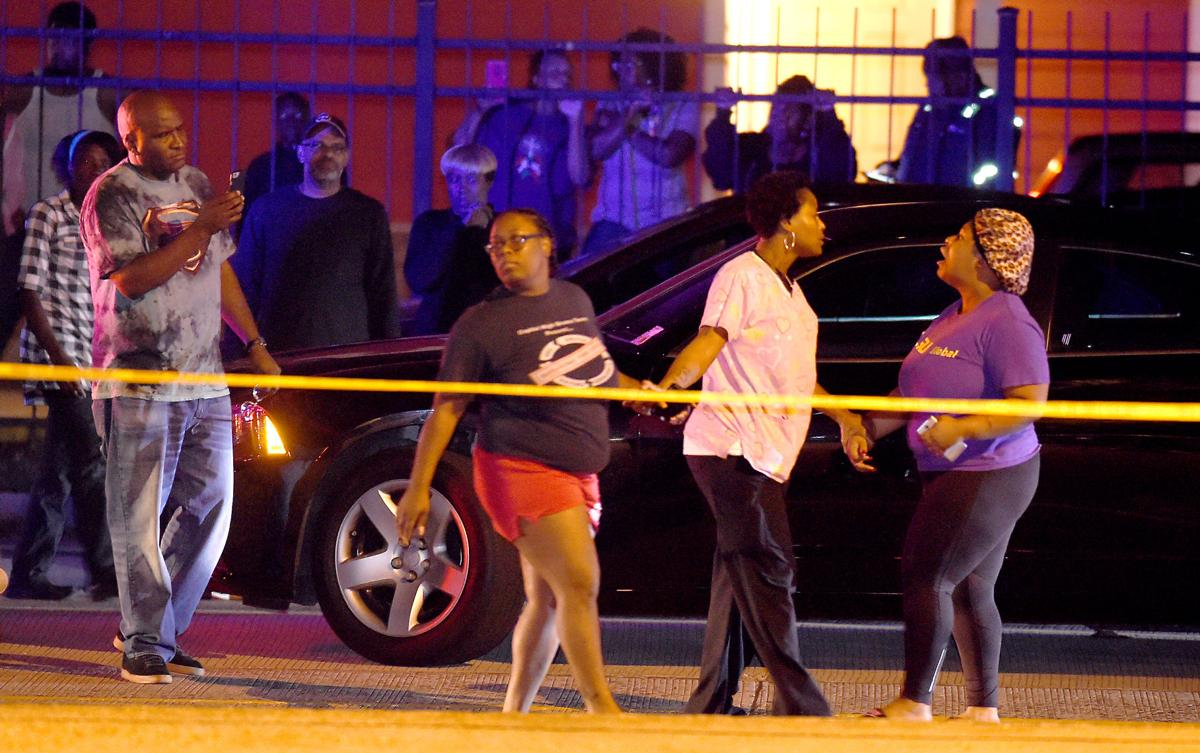 BR.policeshooting.111417    033.jpg