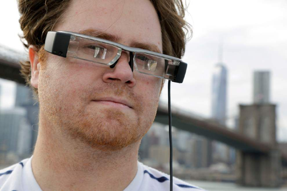 Can it be real? Augmented reality melds work, play _lowres
