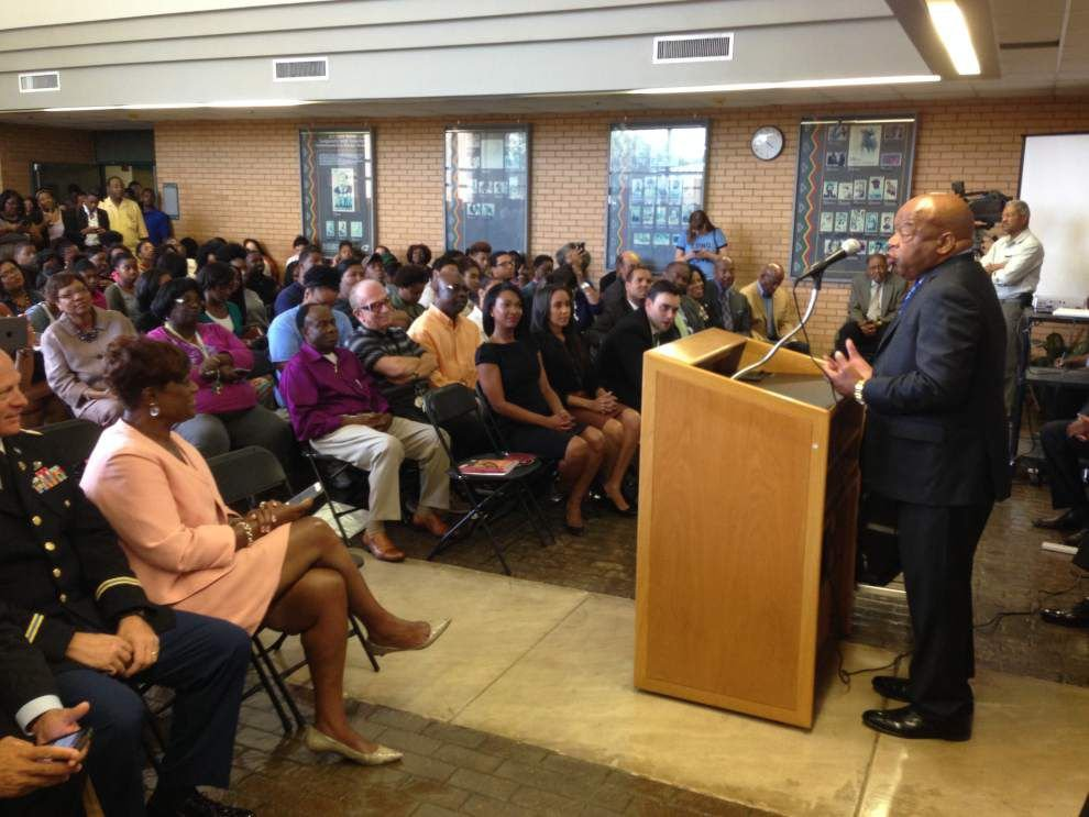 John Lewis leads students to early vote _lowres