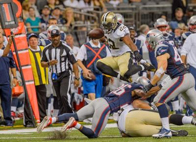 Saints running backs Mark Ingram and Khiry Robinson show off their pass-catching skills against the Patriots _lowres