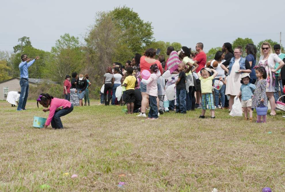 Photos: Community Easter egg hunt _lowres