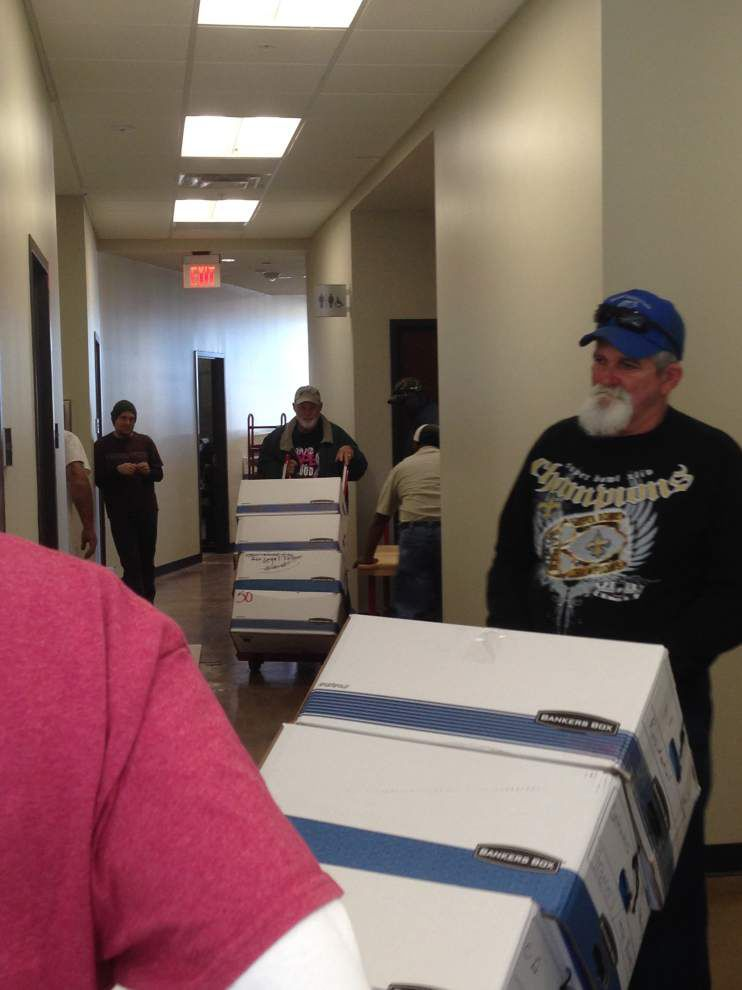 Workers move into new parish governmental complex _lowres
