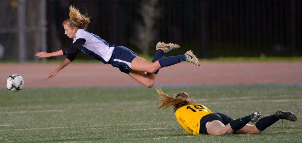 U-High defense sets tone vs. Pope John Paul II to win girls Division III title _lowres