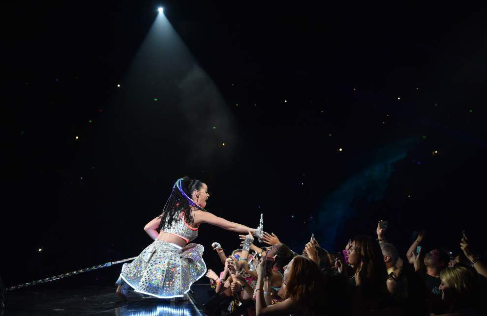 Katy Perry whooshes into the Smoothie King Center _lowres