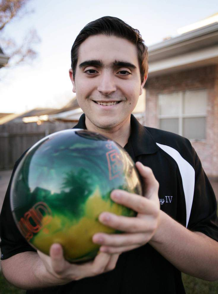 Bowling success inspires Kenner teen through cancer struggle _lowres
